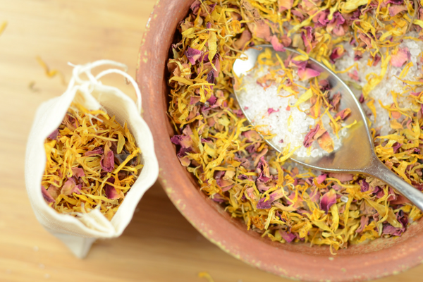 DIY Calendula Bath Soak