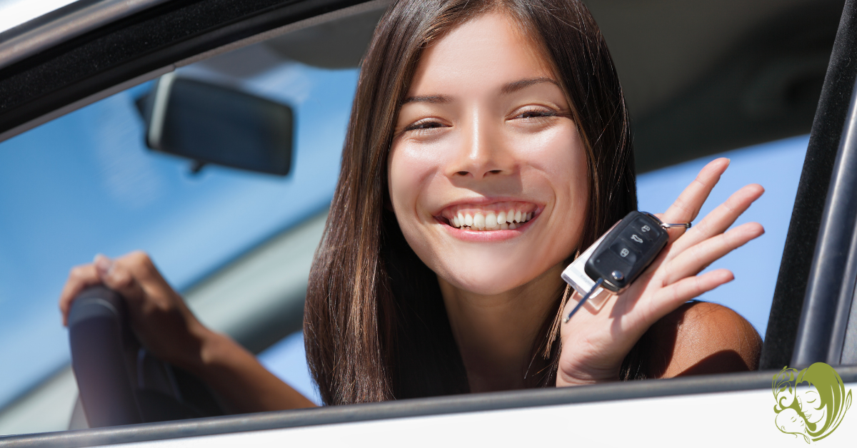 A teen driver holding her keys.